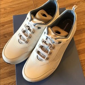 NWT Ladies Rockport CH0409 Trustride Sneakers SZ 9